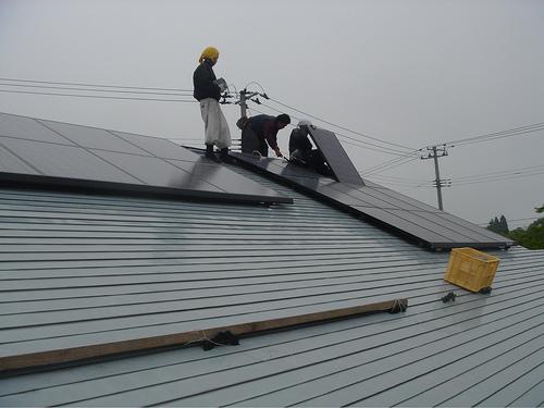 Telde ingresará 10 millones por poner placas solares en colegios y edificios