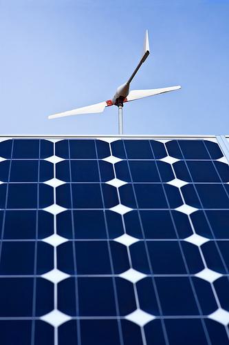 La empresa Eurener, fabricante de equipos de energía solar, inaugura una delegación en Toro (Zamora)