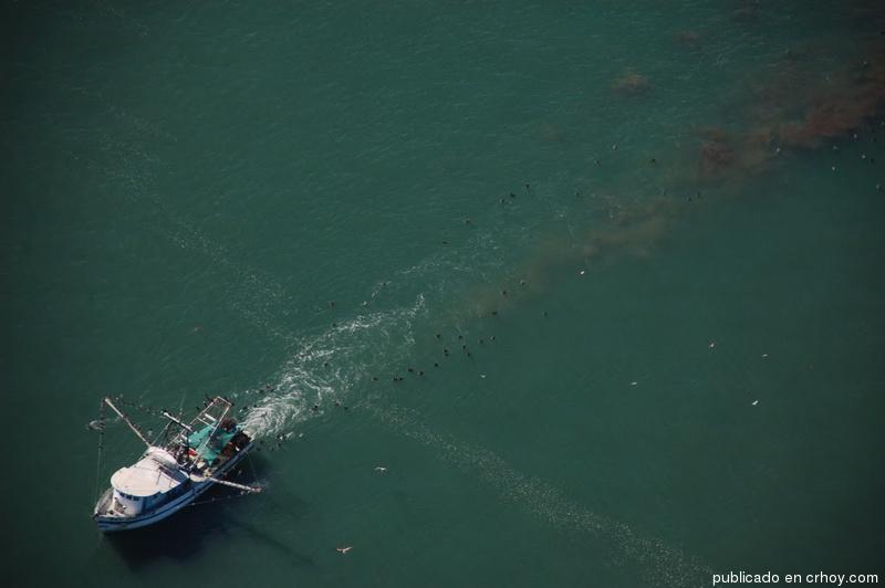 Canatur también se opone a nuevas licencias para pesca de arrastre