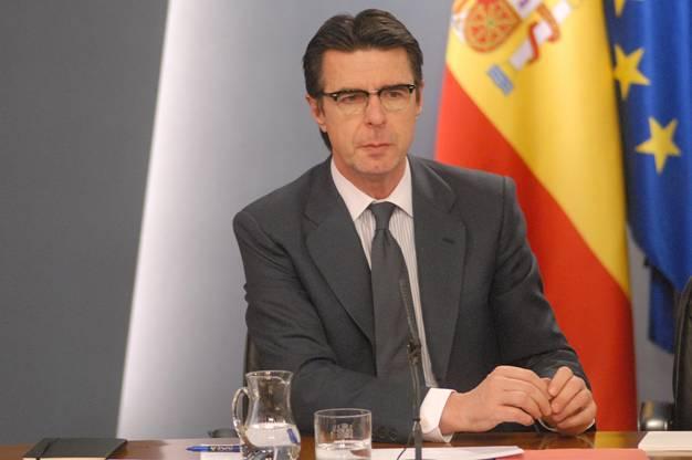 El ministro Soria 'desacredita' las consideraciones de la CNE sobre las energías renovables