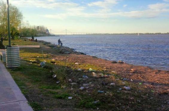 Argentina: El 70% de los residuos que hay en el río Paraná son plásticos