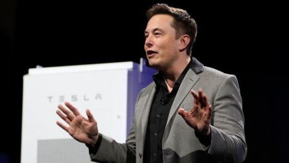 El magnate Elon Musk quiere llevar la energía renovable de Tesla a Puerto Rico