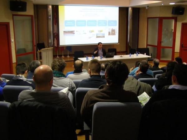 Éxito de participación en el curso de biocombustibles sólidos