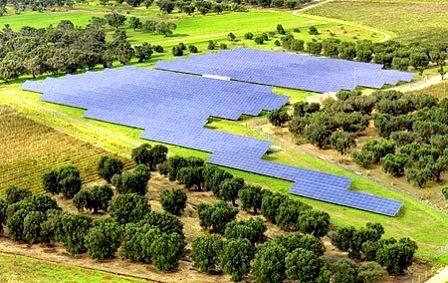 El nuevo decreto de energías renovables puede ser la 'puntilla' para el tejido industrial extremeño