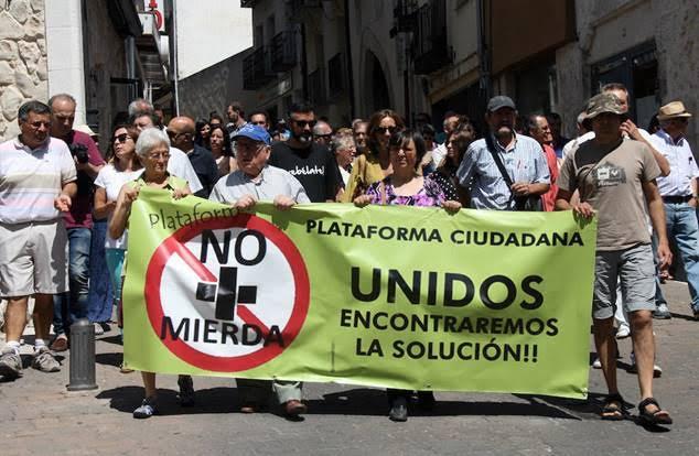 'No más Mierda' denuncia el abandono del contenido de la planta de Fuentepelayo (Segovia)