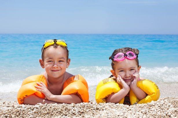 Playas Mar Menor: contaminadas y restrictivas