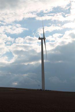 España incremento su potencia electrica un 0,7% en 2013, por la termosolar, fotovoltaica y eólica
