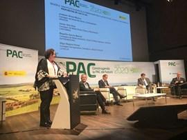 Extremadura quiere una PAC que frene la despoblación en el mundo rural y fomente el empleo