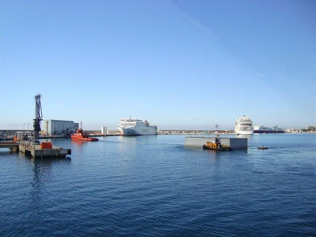 El Govern abre un expediente sancionador a Autoridad Portuaria y Tirme por el vertido de escorias en el Puerto de Palma