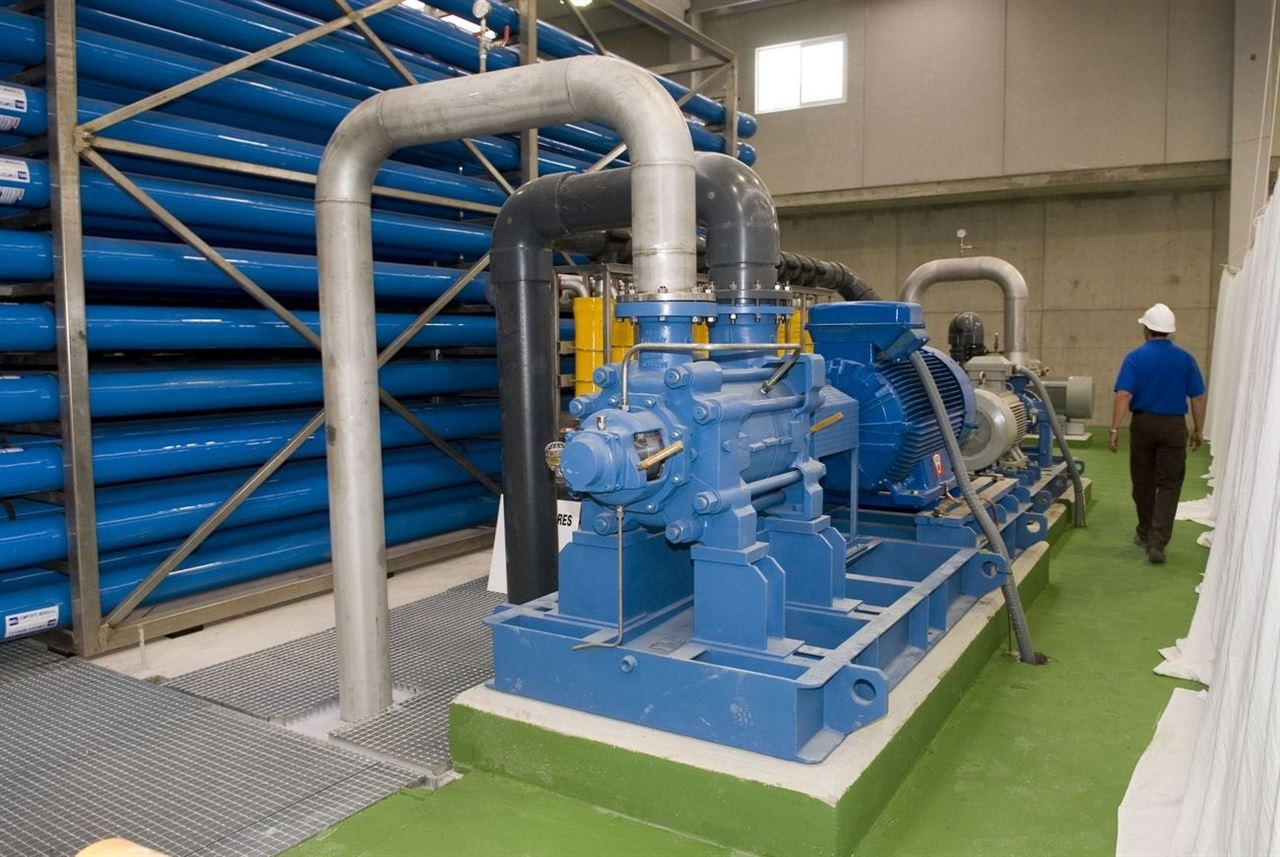 Industria permite a Canarias el autoconsumo en la desalación de agua destinada al riego