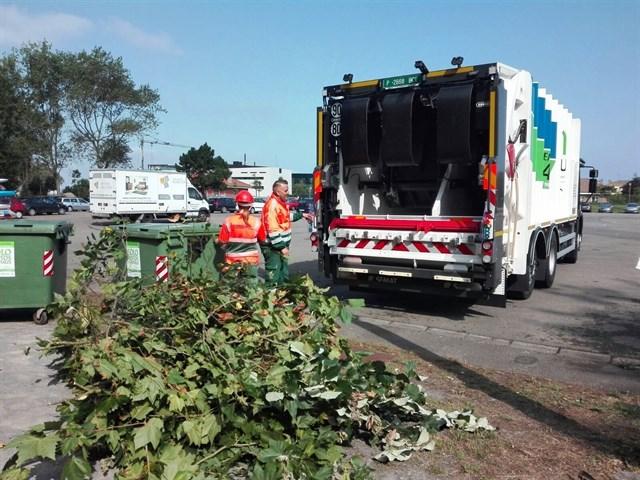 Emulsa incorpora a su flota camión bicompartimentado para la recogida de residuos de parques y jardines