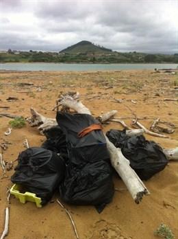 Hasta un 90% de los residuos acuáticos que se encuentran en las playas son plásticos