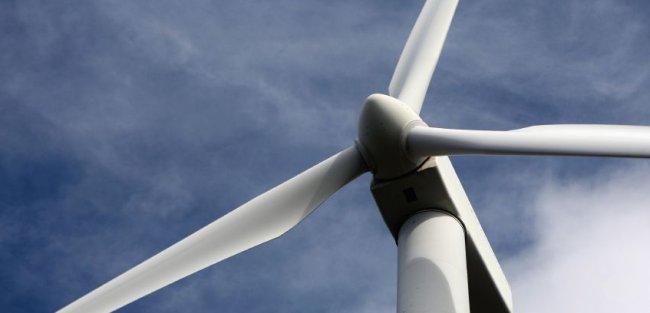La energía eólica bate récord de potencia instantánea y de producción horaria y diaria