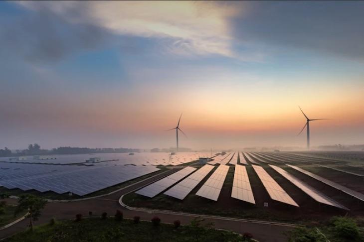 UNEF: la subasta puede abaratar la electricidad