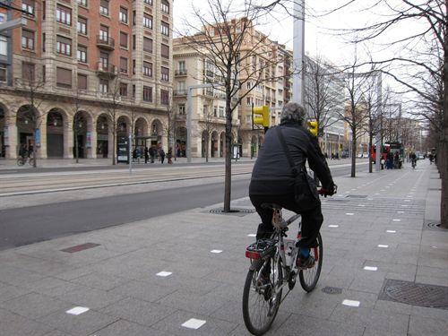 El transporte en bicicleta por las ciudades evitaría 10.000 muertes en la UE