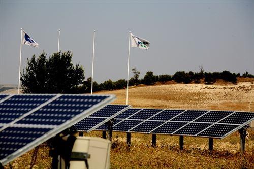 FCC recibe 'luz verde' de Competencia para vender el 51% de su negocio de energías renovables