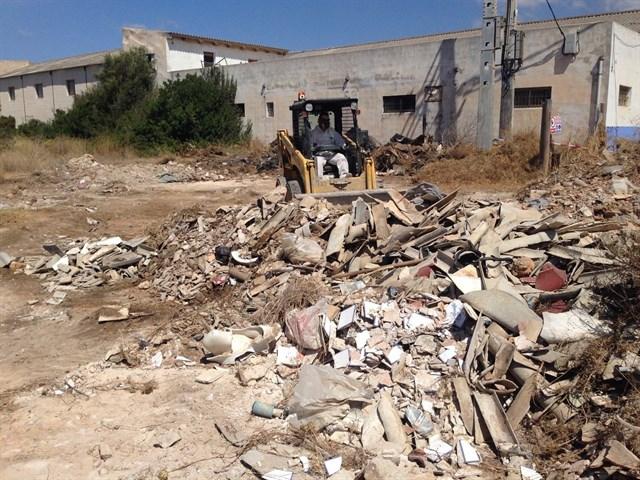 Cort encarga a Emaya la limpieza de los escombros del entorno de Cala Pudent en Es Carnatge