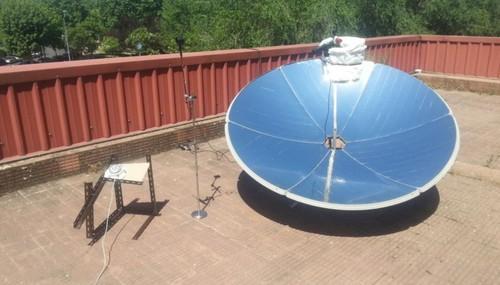 Premiado un horno solar de bajo coste ideado en un Trabajo Fin de Grado