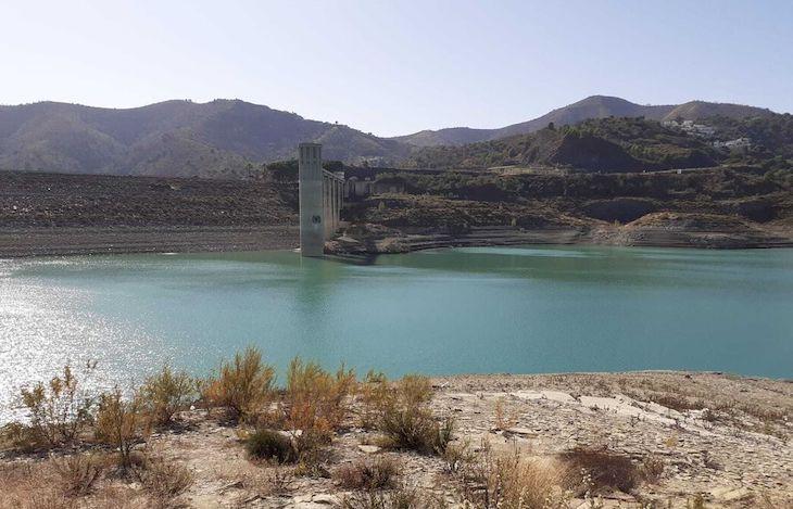 Las reservas hídricas siguen a la baja