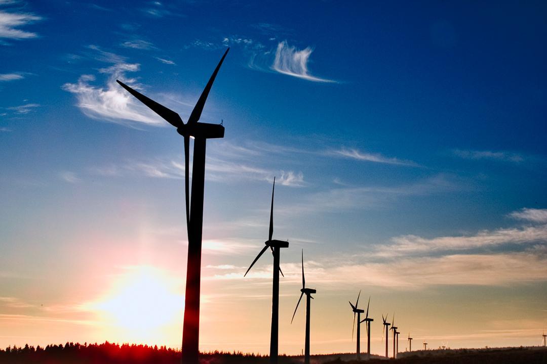 AEE recuerda al Gobierno la urgente necesidad de un nuevo marco regulatorio para la eólica