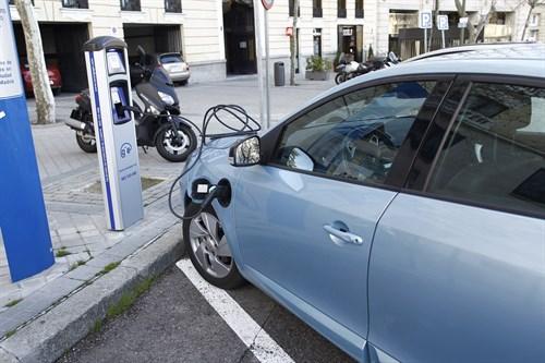 España apuesta por priorizar los coches eléctricos en las ciudades