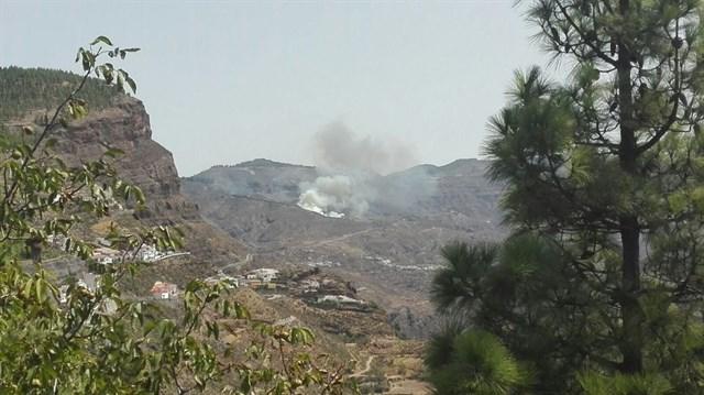 Activados los helicópteros contraincendios y los equipos Presa y Bravo por un conato en Tejeda (Gran Canaria)