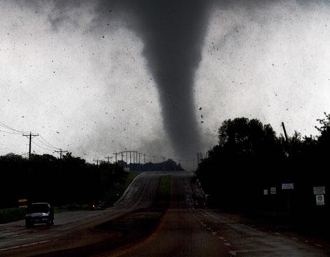 Seis muertos tras el paso de tres tornados en texas - La hora en el paso texas ...