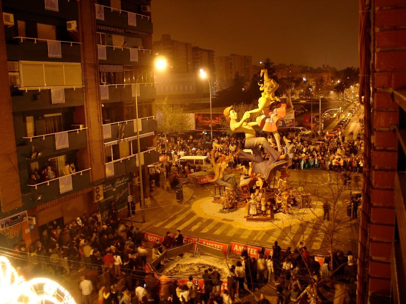 Valencia apuesta por el reciclaje artístico y la multiculturalidad en estas Fallas