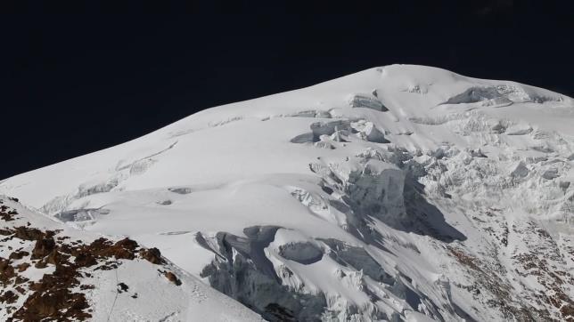 Rescatan para la posteridad muestras de un icónico glaciar boliviano