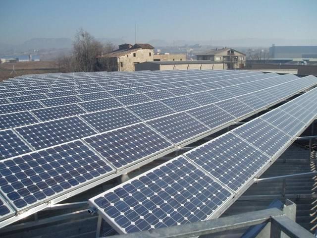 Fotovoltaicos piden a la UE el fin del hostigamiento al sector en España