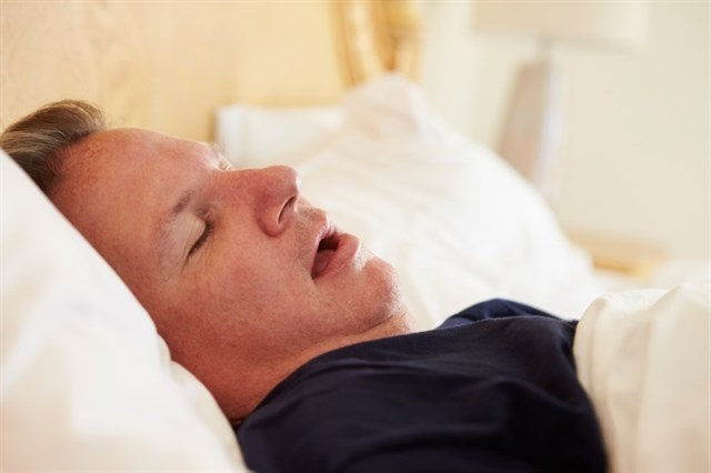 Escoger bien los alimentos a la hora de cenar ayuda a conciliar el sueño y evitar malestar físico y psíquico