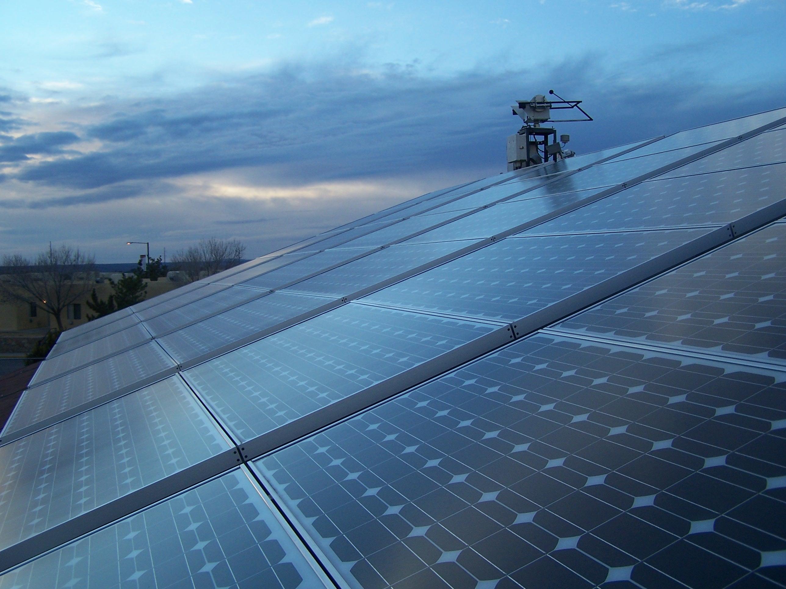 Las renovables superaron por primera vez en España en 2010 a cualquier otra fuente de energía para electricidad