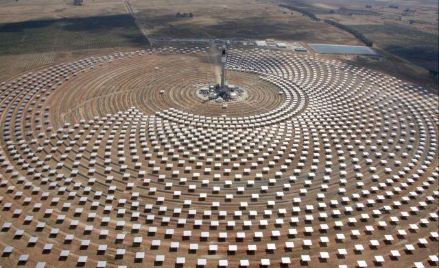 Sener y su socio de Abu Dabi conectan la termosolar sevillana Gemasolar, de casi 20 MW
