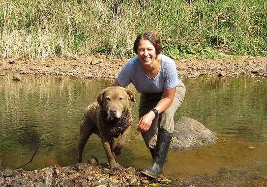 Perros y científicos colaboran para salvar a los carnívoros amenazados