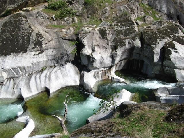 Top 10 de las piscinas naturales más bellas de España
