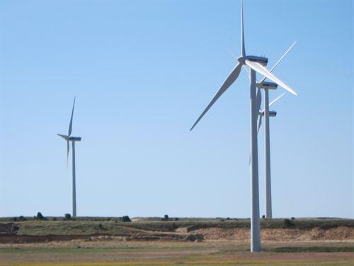 IU-ICV-CHA exige más energía eólica