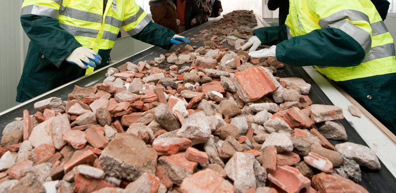 Más de 100 expertos analizan en Granada la gestión de residuos de la construcción y promover áridos reciclados