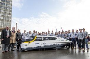 Conoce el coche solar y 3.000 km de autonomía