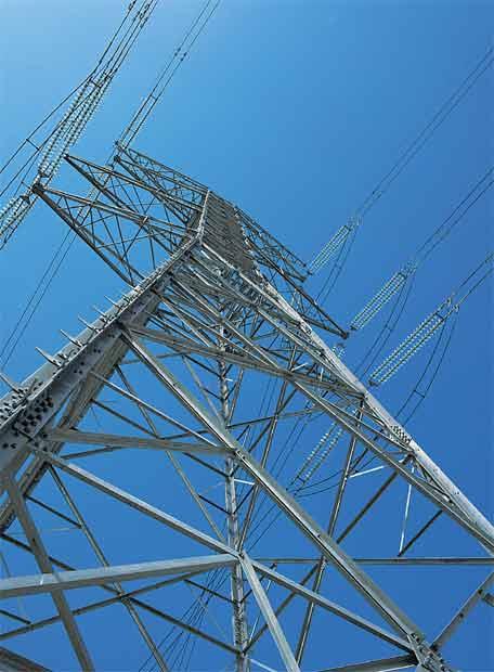 El ministro Soria advierte del 'pequeño problema' de las energías renovables
