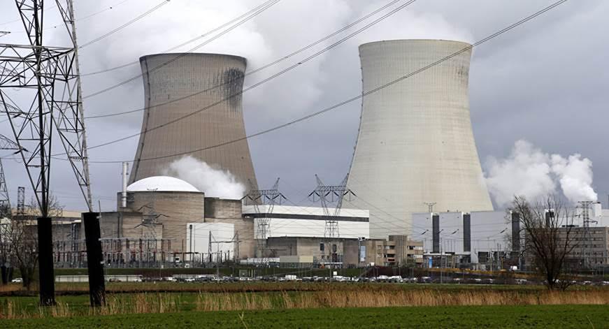 Bruselas avala compensar a operadoras de tres reactores nucleares en Bélgica en caso de cierre anticipado