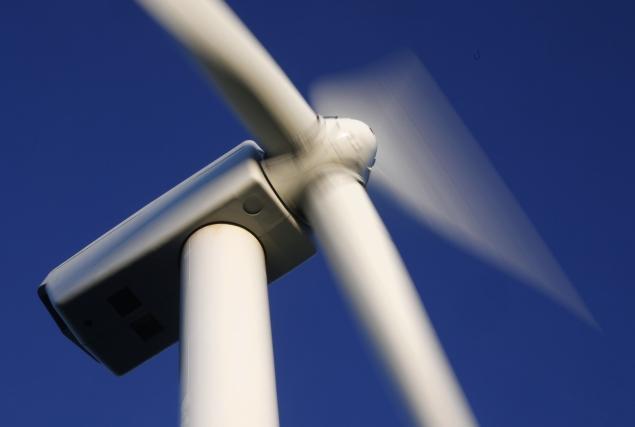 AEE alega defectos de fondo y forma ante la CNMC de la orden ministerial de parámetros y el real decreto de energías renovables