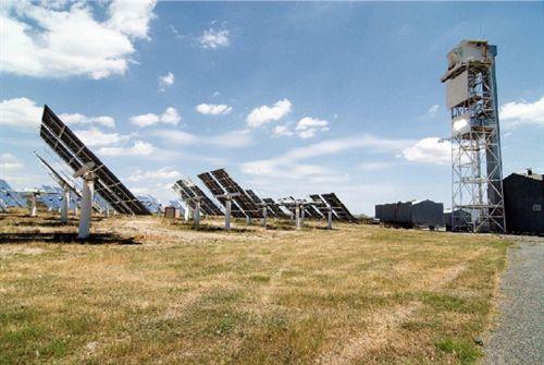 UNED y CIEMAT, modelo de planta solar que extrae el hidrógeno del agua