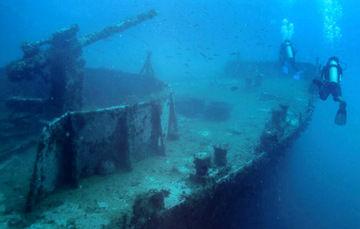 Los arrecifes artificiales ayudan a conservar los naturales