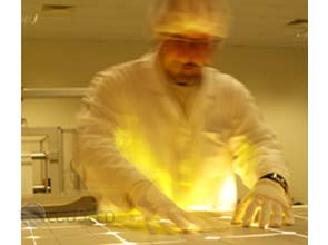 Nanopillars being used to increase solar cells' light absorption