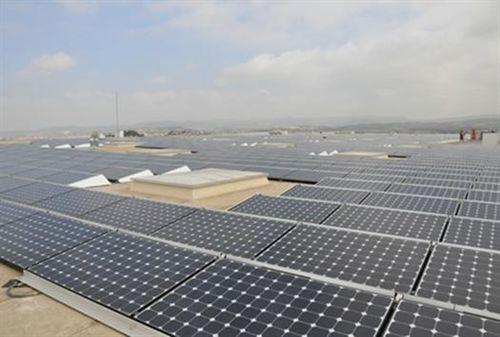 Abacus inaugura la cubierta solar más grande de Europa en Vilanova del Camí (Barcelona)