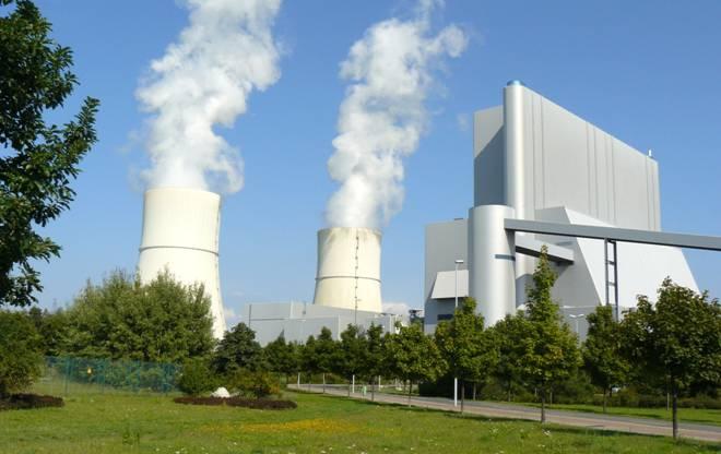 La reforma energética y su 'mazazo' a las energías renovables tendrán repercusión en la salud de los españoles