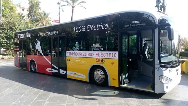 Empiezan las pruebas del bus eléctrico para comprobar su autonomía en condiciones de calor extremo y alta ocupación