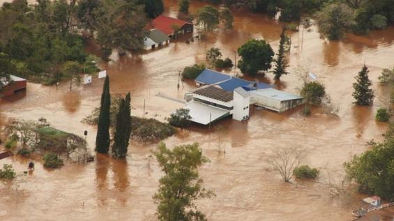 Argentina. Hay 3 mil evacuados por las crecidas en el litoral