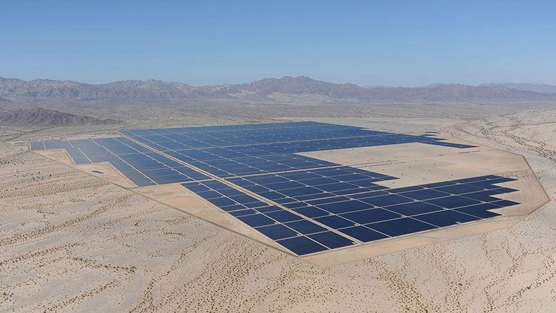 Arranca la planta solar más grande del planeta