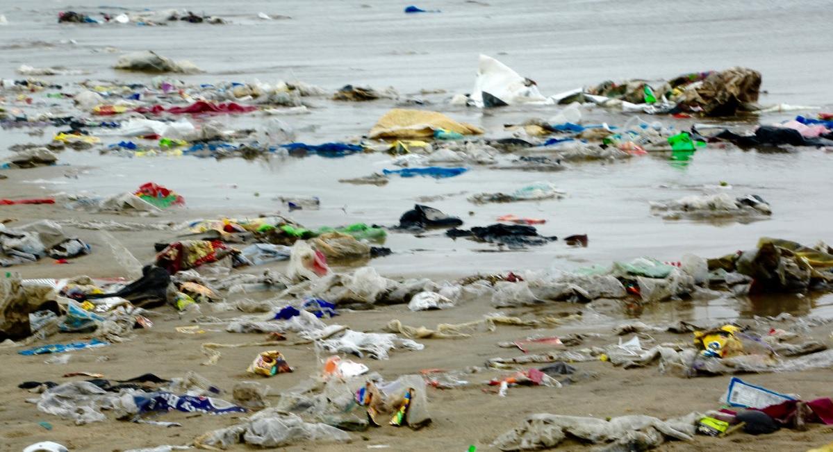 El PNUMA lidera una campaña para erradicar el plástico en los océanos